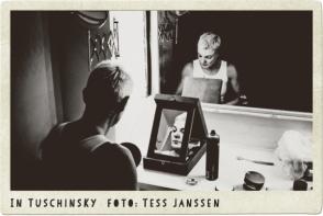 01-in-tuschinsky-tess-janssen