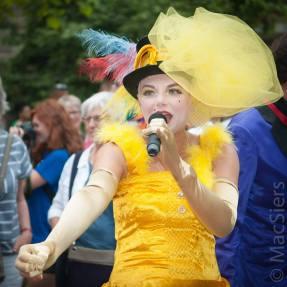 Pride Walk, Luna Lunettes Variété door MacSiers