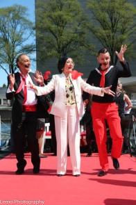Grande Diva Gerrie van der Klei geflankeerd door 'Engel' Klaas ten Holt en 'Don Pasquale' Don van Zanten... de dertiger jaren uit Foxtrot