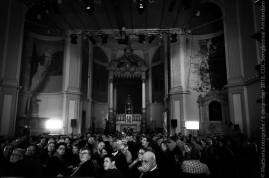 065 Publiek kijkt naar Galakoor Gay & Lesbian Amsterdam